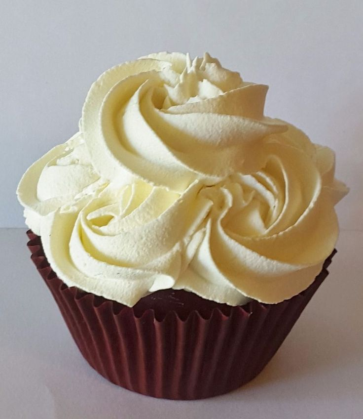 Cupcake Decorating Ideas With Buttercream Icing : 25+ best ideas about Fake cupcakes on Pinterest ...