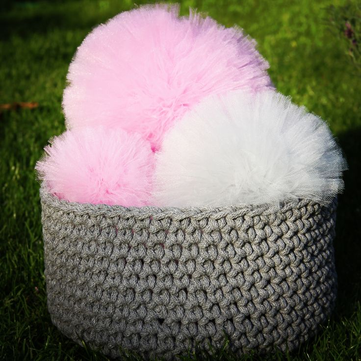 Grey cord basket and fluffy pompons. Looks like an ice cream. So, so sweet:)