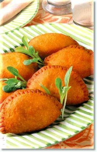 ピロシキレシピ・ピロシキの作り方まとめ・手作りピロシキレシピ ... 「卵とチーズのピロシキのレシピ」の作り方について書かれています。
