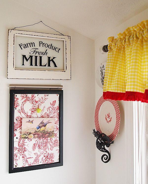 желтый зонтик кухонные занавески с красной отделкой