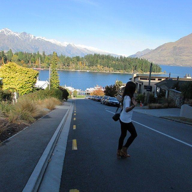 Queenstown street.  #nomadiccarol #carolprates #newzealand