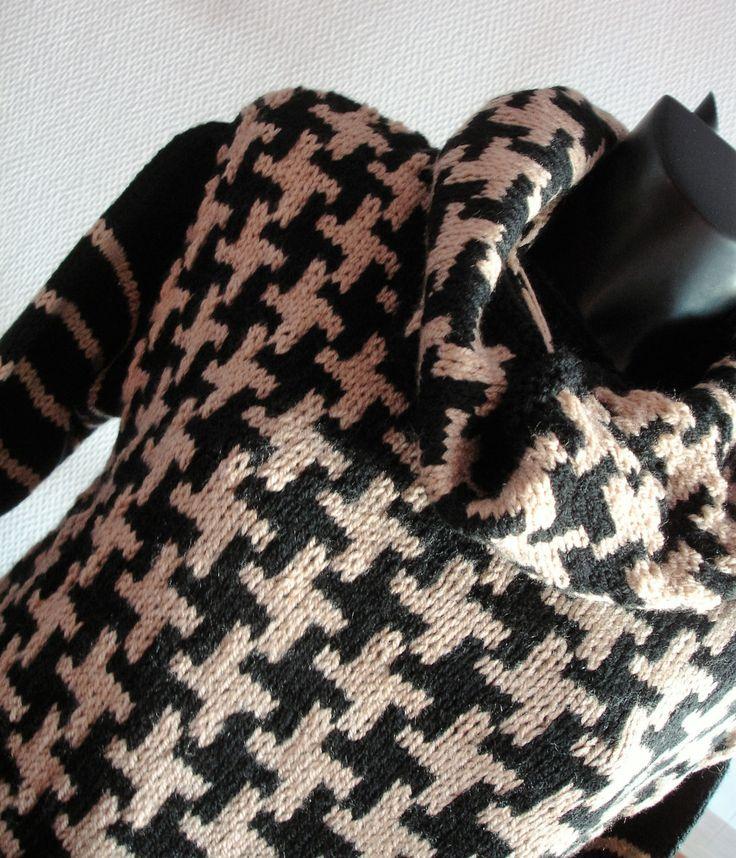 Zwart-beige trui met afneembare kraag  - maat M door MarieCrochetStore op Etsy