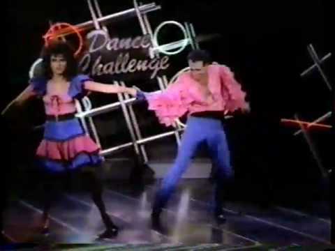 This is HILarious! Tracey Ullman dancing with no panties!
