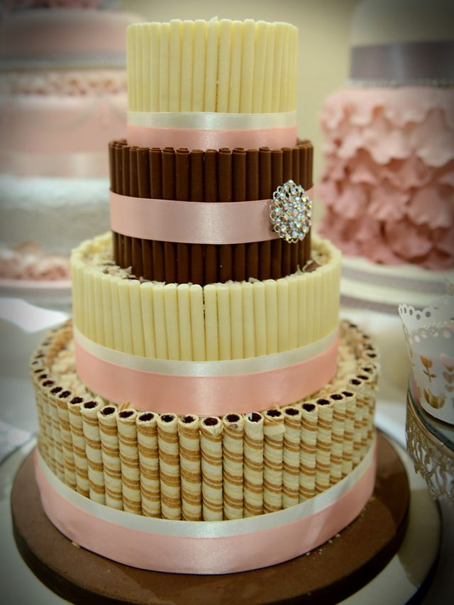 vintage look wedding cake | ... Cat Cake Company – Wedding cakes for 2013 | Love Me Love My Wedding