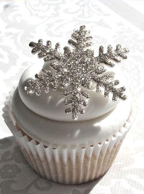 Sparkly Snowflake Cupcake