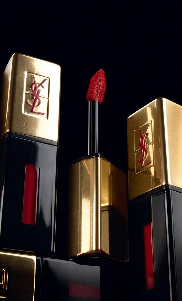 Die neuen Lipglosse von Yves Saint Laurent: Rouge Pur Couture Vernis à Lèvres - Neue Farben und ohne Schnörkel.