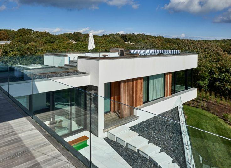 La vue extérieur de cette luxueuse maison secondaire sur la côte atlantique