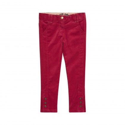 De la couleur, du velours côtelé, des pressions en bas de jambes, décidément ce pantalon bordeaux ne manque pas d'audace. Chaud, chic et confort, il ne manque de rien.