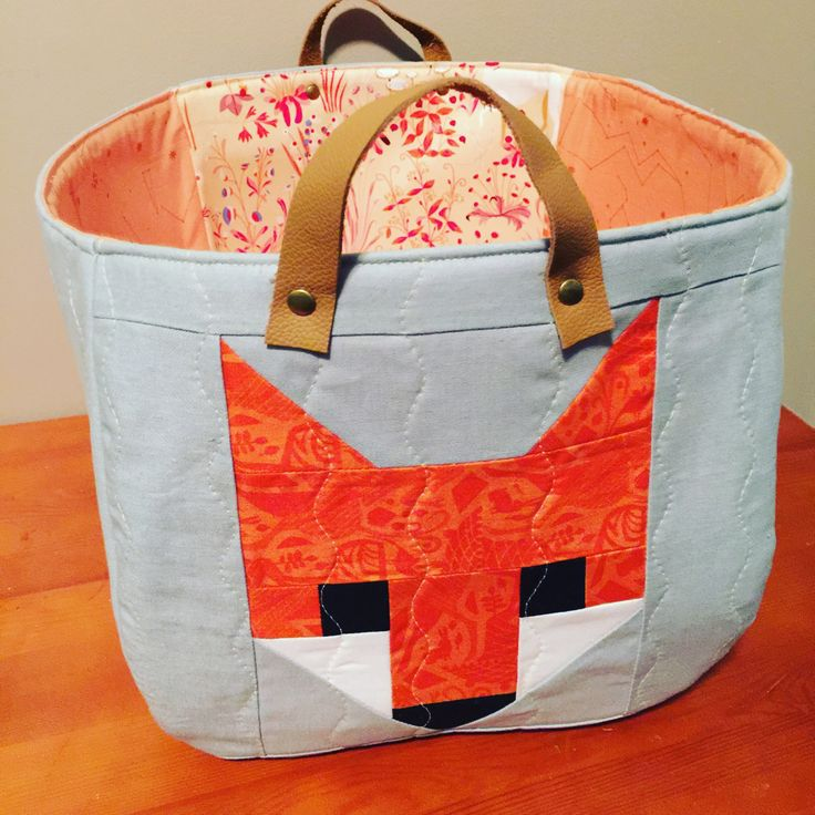Fancy Fox quilt block n Noodlehead fabric basket | ideas to customize organizers