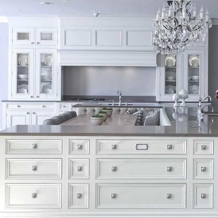 Best 25 Hamptons Kitchen Ideas On Pinterest: Kitchen White, White Kitchens And Arquitetura