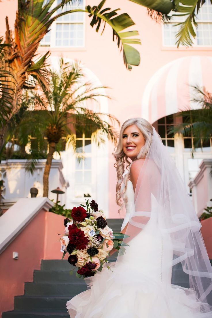 Romantic Florida bridal style with veil (Limelight Photography)