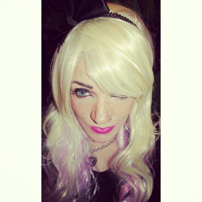 Night-time makeup pink lip