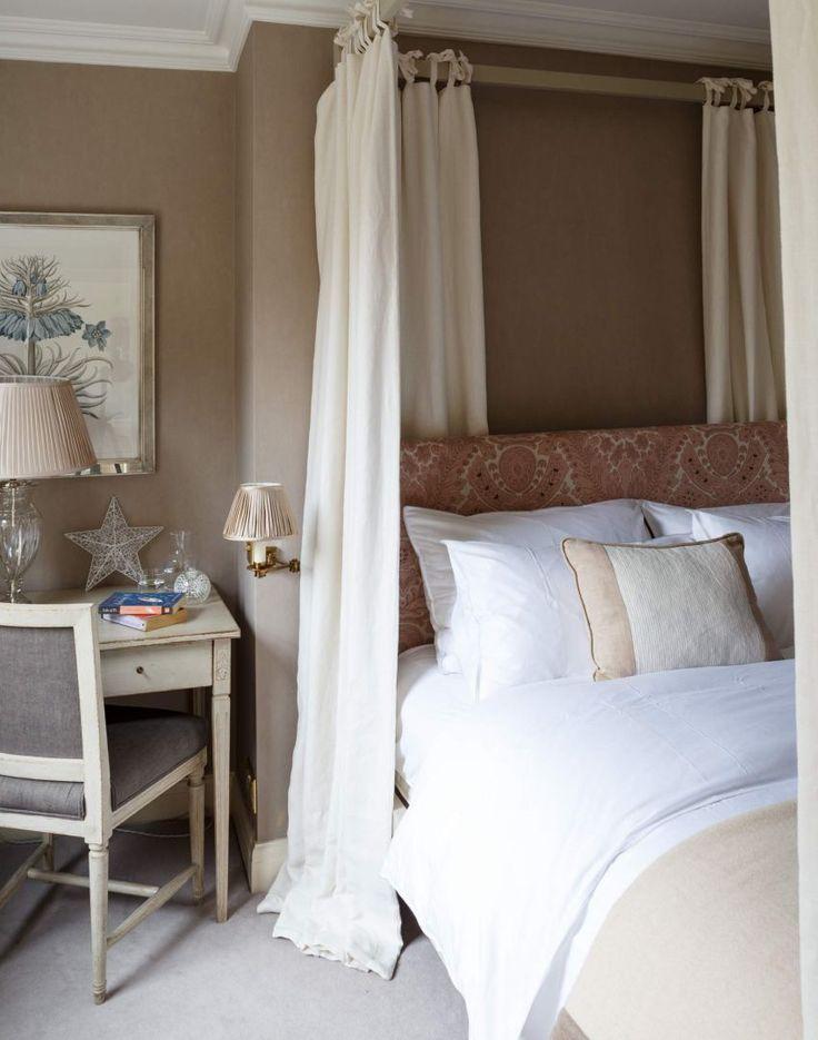 Neutral Style Hotel Camera da letto con letto a baldacchino