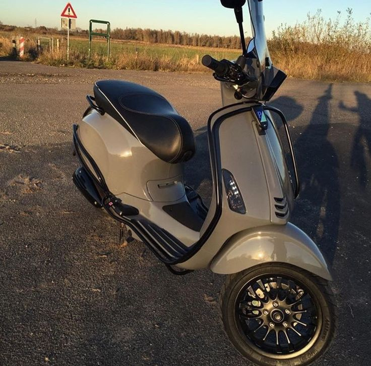 Vespa Sprint Audi RS Nardo grey
