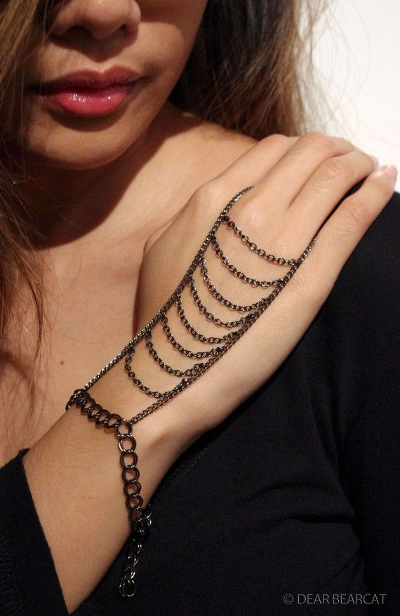 Aluminium Gunmetal Chain Double Finger Ladder Hand by dearbearcat