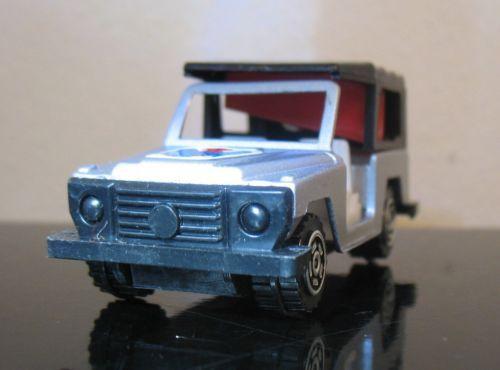 Vintage-Mercedes-Benz-4x4-truck-Hong-Kong-Pencil-sharpener-die-cast-tintoys-80S