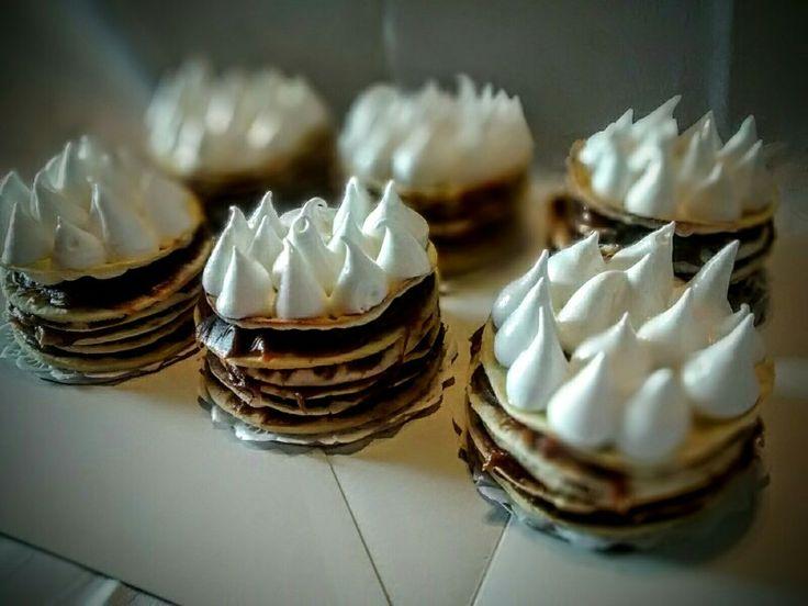 Mini tortas Rogel! Super Alta! Todo un desafío para comerlas!