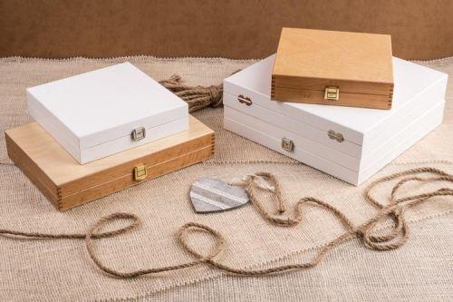 Drewniane kasetki - opakowanie na fotoalbumy ślubne i komunijne