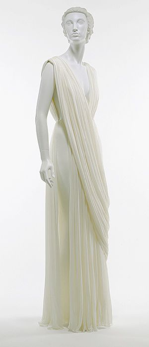 Classicism. Mme Gres. Pleated silk jersey