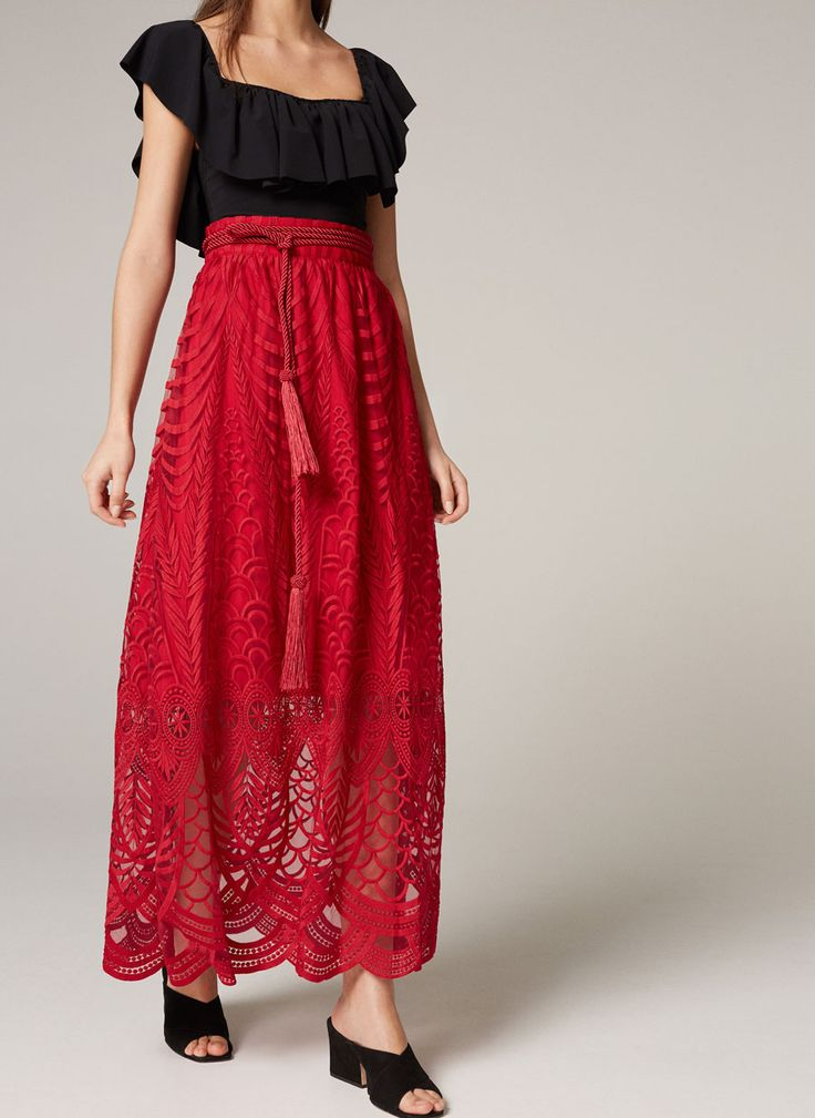 Uterqüe United Kingdom Product Page - Ready to wear - Dresses and Skirts - Embroidered skirt - 95