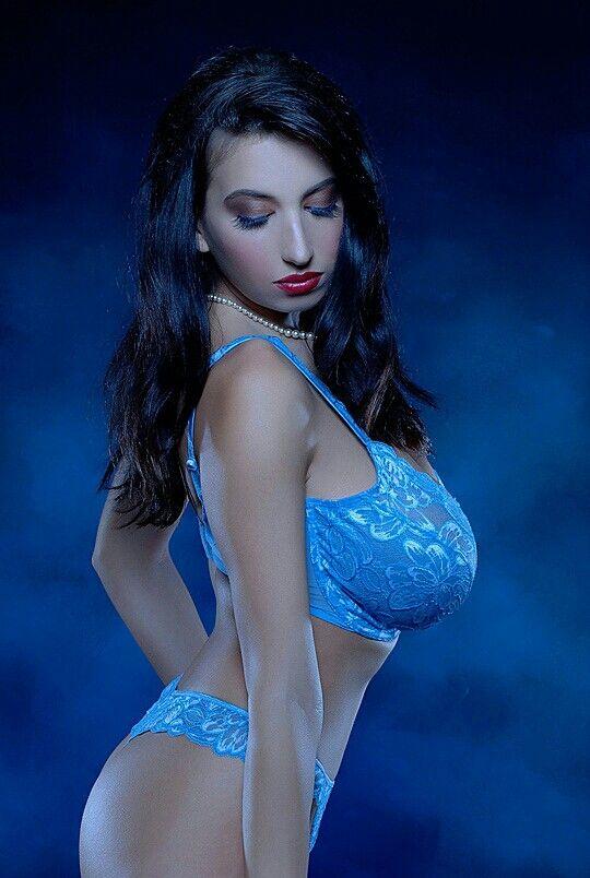 Jana Defi - blue light