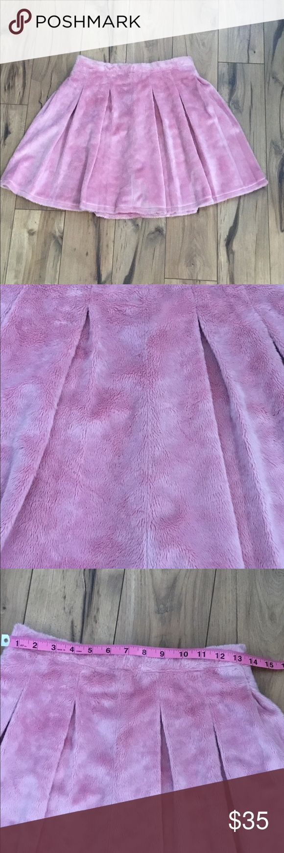 Tuesday Bassen Fuzz Kill Pink Skater Skirt, Sz S Fuzzy things are the best. Like…