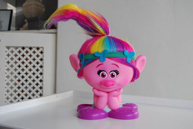 Chic Geek Diary: Trolls Poppy True Colours Styling Head Station - R...