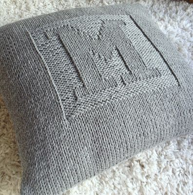 Knitted cushion by annikaisa