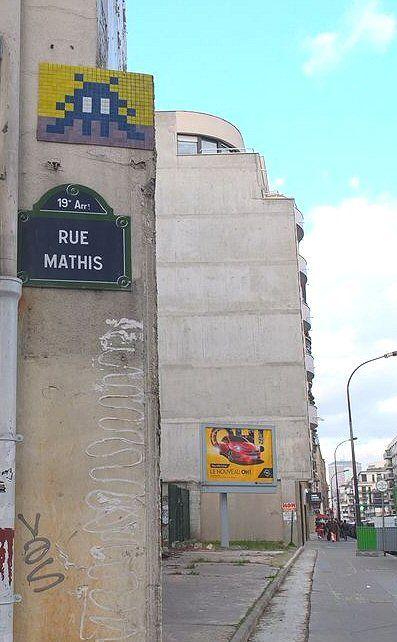 Le Space Invader de la rue Mathis  (Paris 19ème)