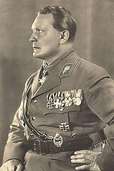 225px-Goering1932.jpg (225×336)