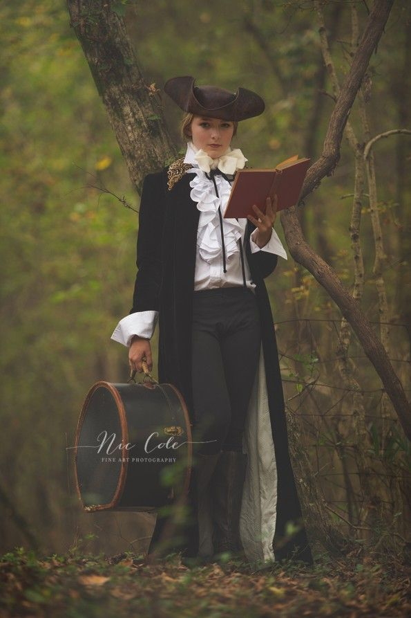 ichabod crane and the legend of sleepy hollow as a female costume - Sleepy Hollow Halloween Costumes
