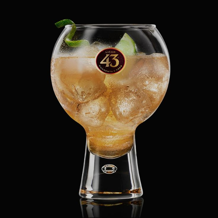 Get the recipe for our most popular drink in Spain. Delicately zesty Ginger 43 is a simple serve of Licor 43 with ginger ale, lime, and lots of ice.