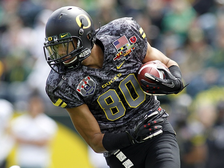 April 30 Spring Game: Lavasier Tuinei played for the black team, wearing a special military themed jersey and special edition stars and stripes gloves along with a black helmet, pants, socks and black and white shoes.