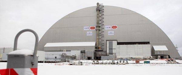 Çernobil'e 30 yıl sonra çelik kalkan