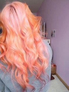 I would never, but it's so pretty! Peach colored hair. Mythical or myth among myths hair color inspiration