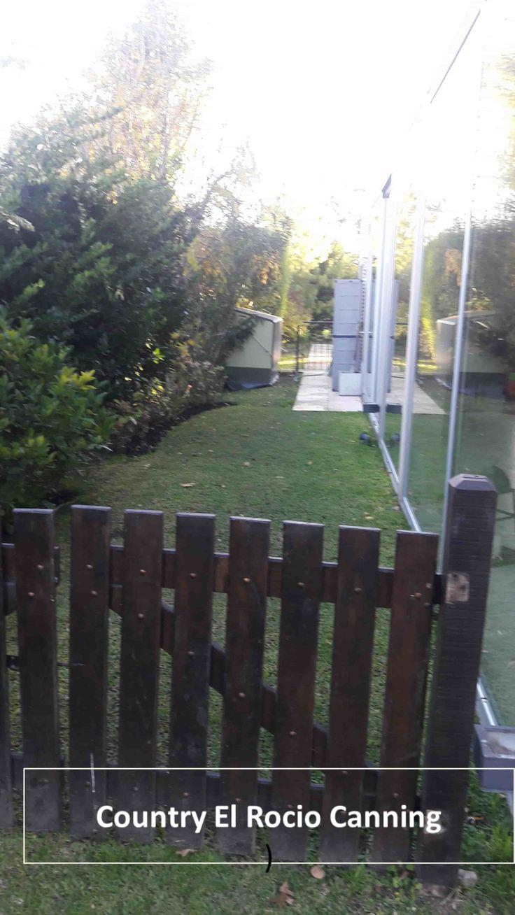 Guardabicicletas para Exteriores MarcaTrimetals instalado en Country El Rocio - Canning - Buenos Aires. Gtia 20 años en la integridad de sus paneles
