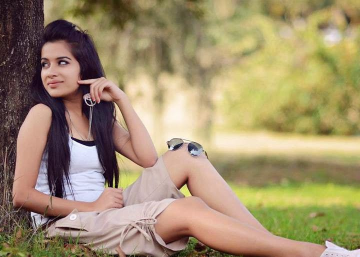 Latest Sizzling Hot Pics of Punjabi Model Sara Gurpal