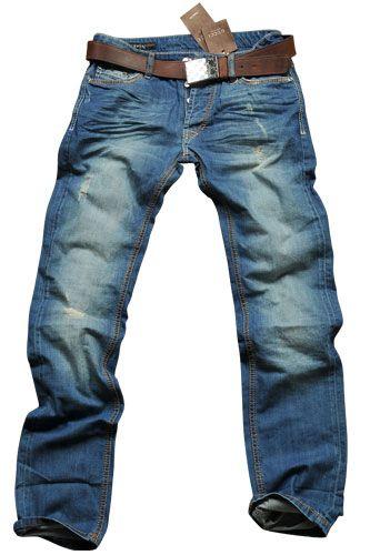 Me encantan los jeans! Son Azul y blanco y puedo hacer mucho en loas jeans. Puedo caminar, trabajar, ir de pesca y mucho mas. Son formales, pero tambien informales. Cuestan mucho.