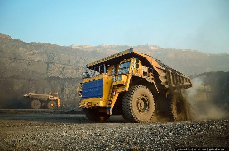 Belaaz 75600. Biggest Dump Truck in Russia.