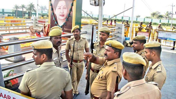 Police shoots himself dead at J Jayalalithaa's memorial on Marina beach