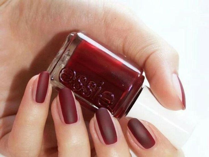 Unghie più lunghe: nails contouring.