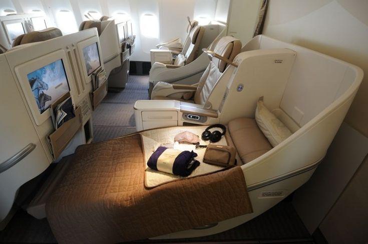 Passenger S First Class Flights Seats Experience Airlines Help Desk Airlines Class Desk In 2020 First Class Flights Flying First Class Business Class Flight