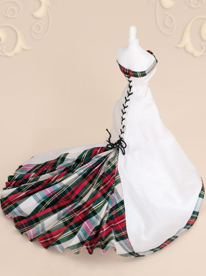 Scottish  bride gown of Tartan silk 'Stewart Dress' .... This is just so pretty!!