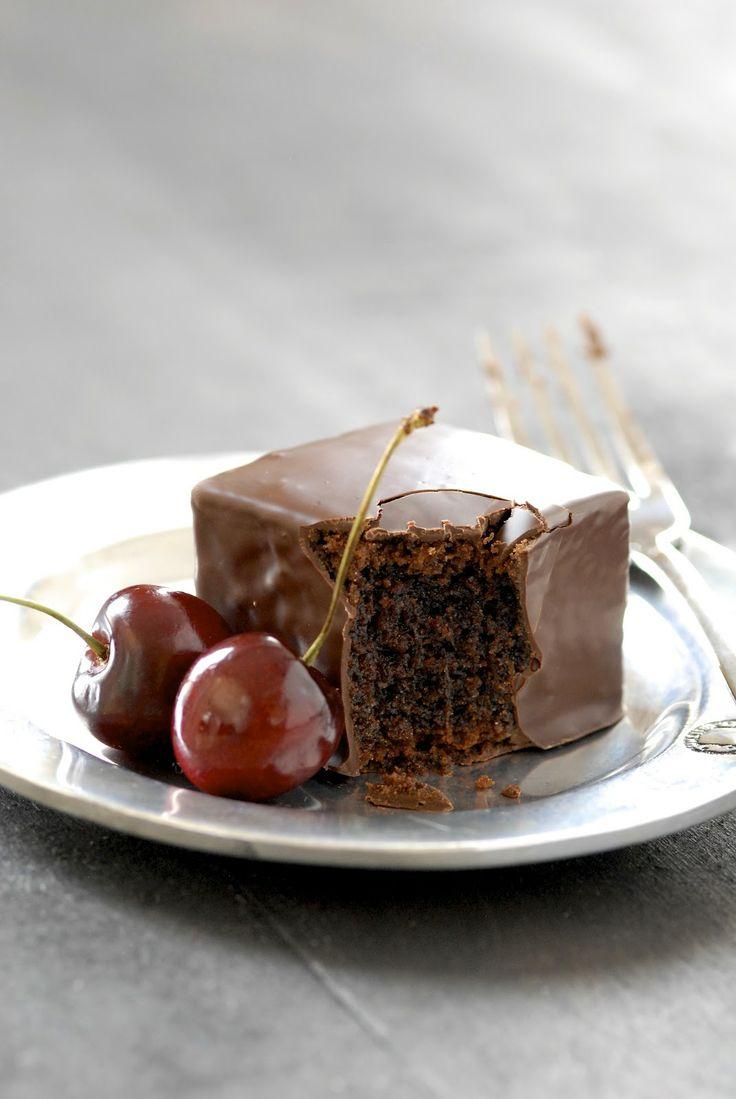 kumquat: Recipe Redux: Chocolate Mochi Cakes