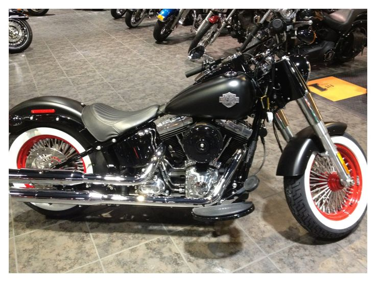 capitol harley 39 s customized softail slim with retro white. Black Bedroom Furniture Sets. Home Design Ideas
