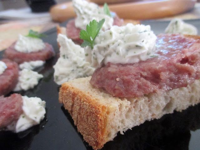 FORNELLI IN FIAMME: CROUTONS WITH COTECHINO AND GOAT CHEESE SAUCE - Cr...