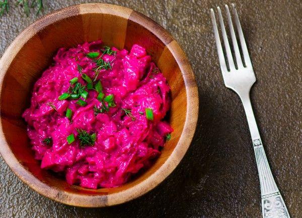 Шведский салат из свеклы и сельди, ссылка на рецепт - https://recase.org/shvedskij-salat-iz-svekly-i-seldi/  #Салаты #блюдо #кухня #пища #рецепты #кулинария #еда #блюда #food #cook