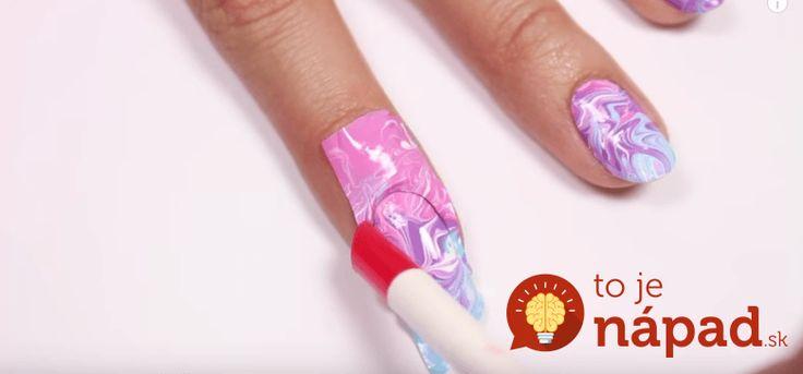 Perfektný trik, vďaka ktorému si môžete vytvoriť krásny nechtový dizajn aj bez návštevy nechtového štúdia. Pomôže vám obyčajné plastové…
