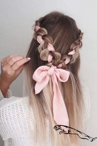 11 Romantic Valentine's Day Hairstyles for Women in 2020 for you: Have a Look!   These Valentine's Day hairstyles are very much perfect for everything from the casual classroom looks to the more formal occasions such as wedding. Take a very close look! #valentinesdayhairstyles #valentinesdayhairstylesforwomen #frisurenflechten