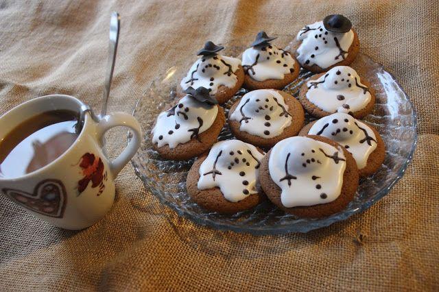 Luukku 7: Sulaneet lumiukkopiparit / Christmas cookies